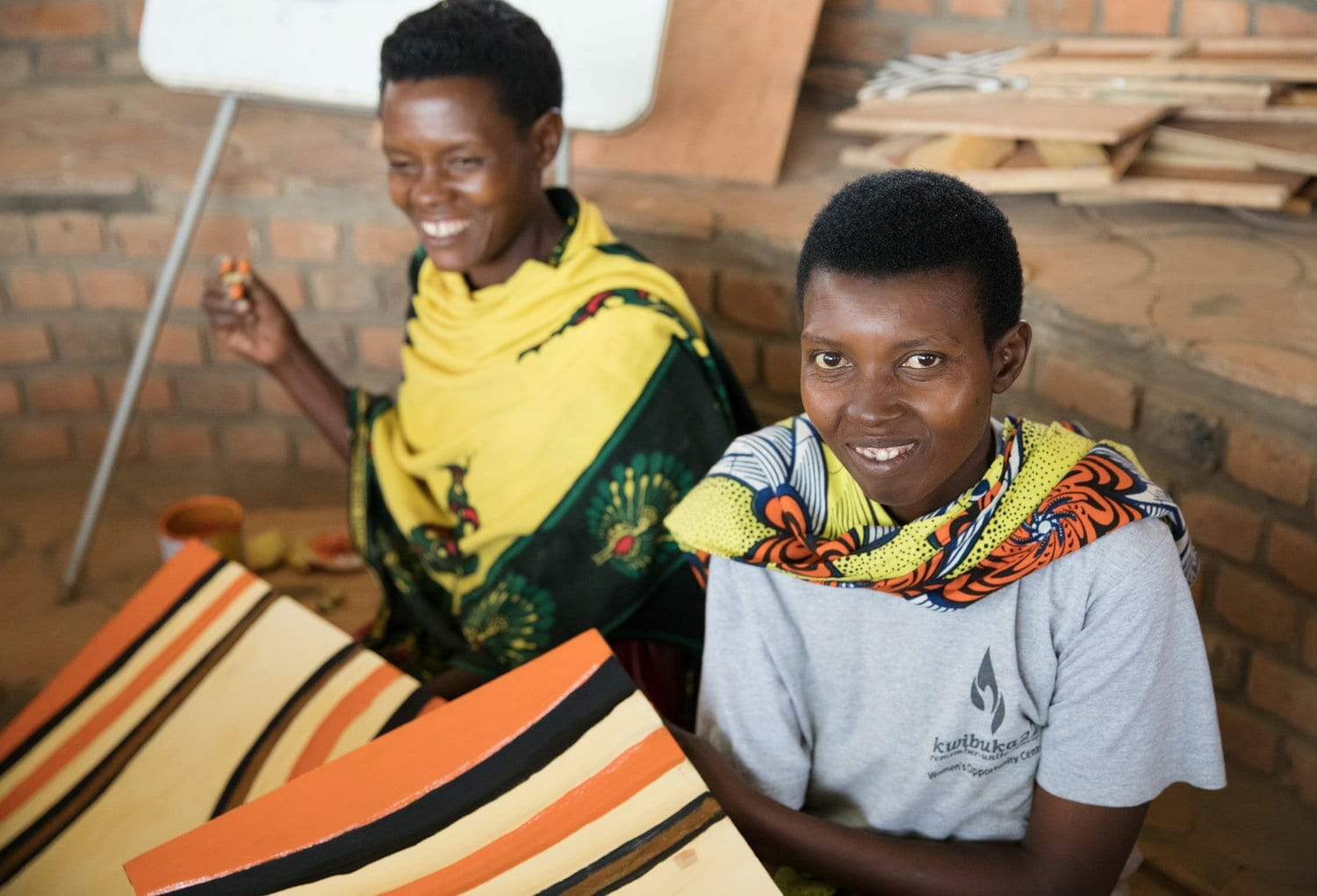 rwandan women making handmade products