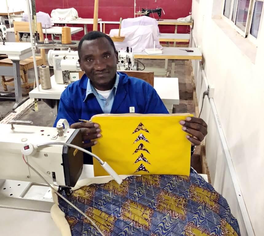 dokmai-rwanda-leather-gift-maker-03