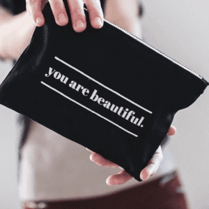 WS02 makeup pouch 1 screen
